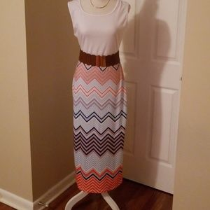 Dresses & Skirts - Sleeveless summer dress (Belt not included)